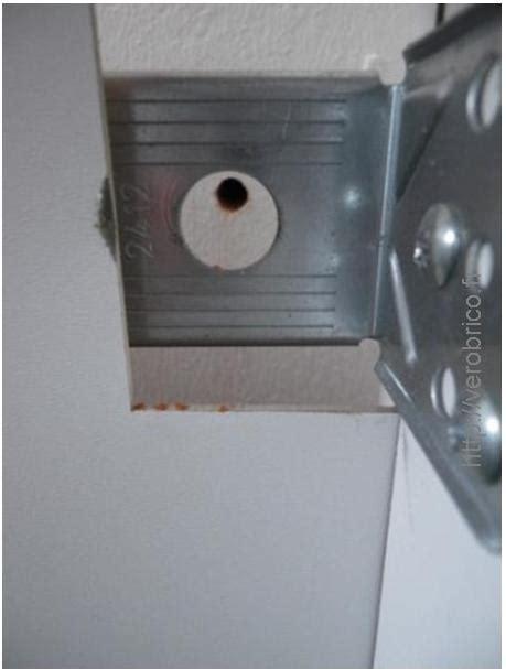 comment fixer meuble haut cuisine ikea fixer des meubles de cuisine non attenants aux murs le