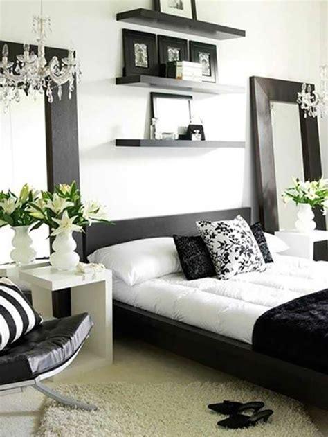 chambre en noir et blanc 16 sources d inspiration design pour votre chambre à coucher