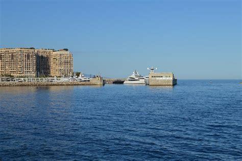 port de cap d ail approchant le port cap d ail par l ouest vue du cap d ail lui m 234 me lien vers info port places