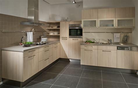 cuisine hetre clair davaus couleur meuble de cuisine moderne avec des