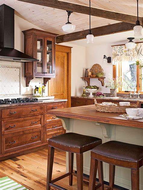 Decorating Ideas For Kitchen With Oak Cabinets by Decorating With Oak Cabinets
