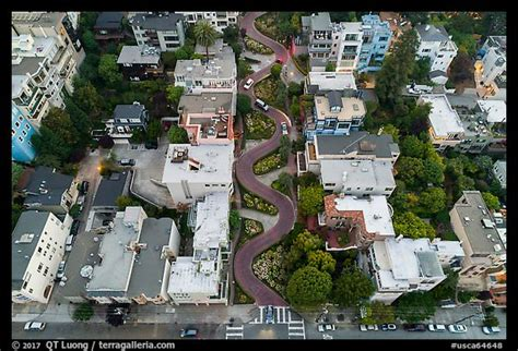 picturephoto aerial view  lombard street