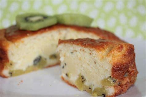 dessert avec des kiwis le g 226 teau aux kiwis de caroline mes p biscuits gourmands et autres d 233 lices