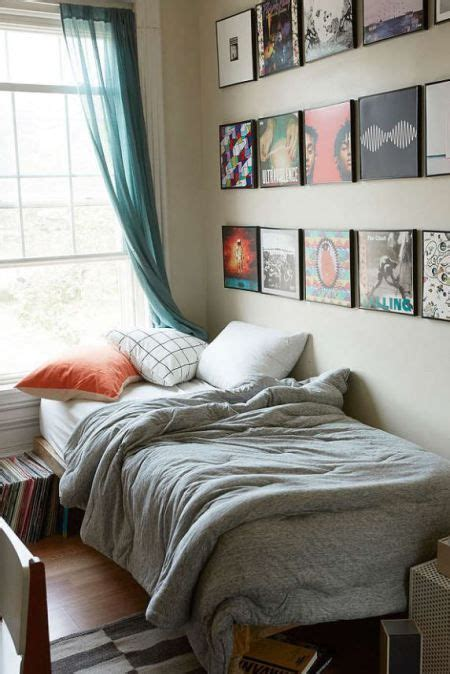 Bedroom Decorating Ideas For College Guys by 10 Guys Room Decor Ideas Sleep In Style