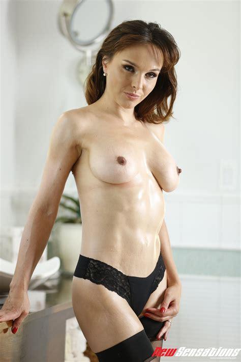 Hot MILF Cytherea Enjoys A Hard Pussy Ramming
