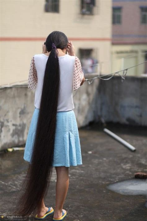 beautiful long hair girl  roof chinalonghaircom