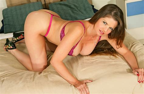 Milf Jacy Andrews Fucking In The Couch With Her Hairy Bush
