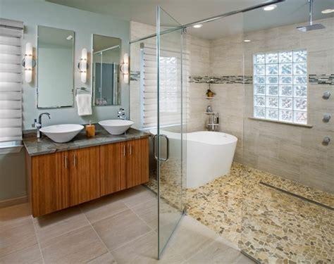 carreaux mosaique salle de bain le carrelage galet pratique rev 234 tement pour la salle de bain