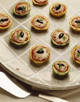 what does canape what of food do you serve on a canape plate our