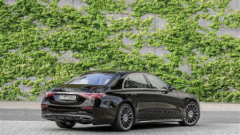 The mbux display has 50% faster processing power. 2021 Mercedes-Benz S-Class Plug-in-Hybrid (Color: Onyx Black) - Rear Three-Quarter   HD ...