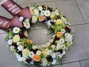 Trauer Blumen Bilder : trauerkr nze trauergestecke zur beerdigung online bestellen ab 60 ~ Frokenaadalensverden.com Haus und Dekorationen
