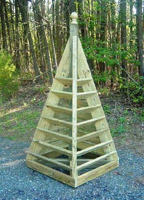 build  pyramid strawberry planter diy plans