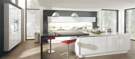 mode cuisine cuisine contemporaine avec îlot cuisines cuisiniste aviva