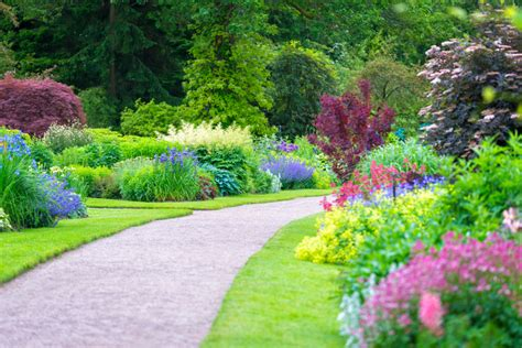why your funeral home should create a memorial garden
