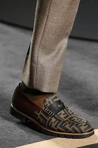 Trendfarben Winter 2018 2019 : schoenen trends man herfst winter 2018 2019 van veterschoen tot soksneaker ~ Orissabook.com Haus und Dekorationen