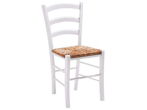 chaises en paille chaise en hêtre massif avec assise en paille paysanne