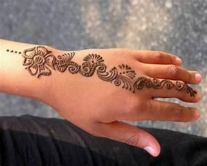 women-henna-tattoos-design