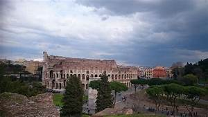 Visiting the New 7 Wonders of the World: Colosseum Rome ...