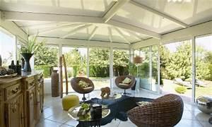 Salon De Veranda : veranda salon ajoutez de l 39 espace les cl s de la maison ~ Teatrodelosmanantiales.com Idées de Décoration