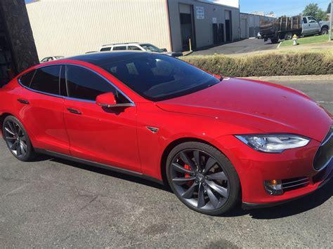Stock 2016 Tesla Model S P90d 1/4 Mile Drag Racing