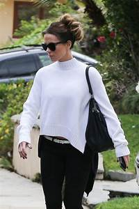 kate beckinsale casual style heading to a bowl