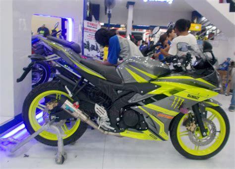 Cuting Sticker Modifikasi Motor R15 V3 Biru by 91 Foto Modifikasi Motor Yamaha R15 Teamodifikasi