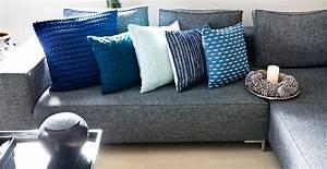 Kissen Für Couch : gro e kissen f r sofa haus ideen ~ Markanthonyermac.com Haus und Dekorationen