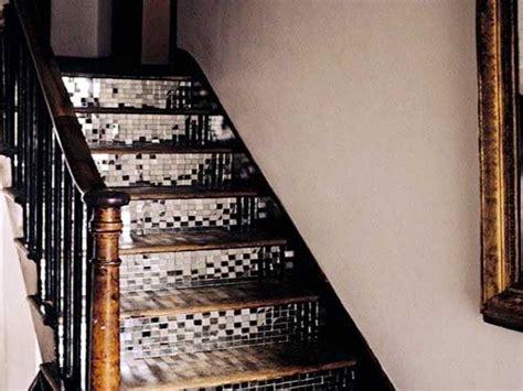 béton ciré sur carrelage cuisine carrelage adhesif miroir pour eclairer la cage d 39 escalier