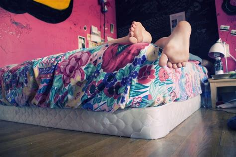 foot fan for bed 1 simple trick that may help you fall asleep faster