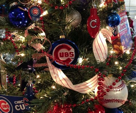 chicago cubs christmas tree  ribbonista leah farrar