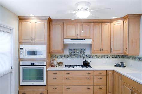peinture bois cuisine cuisine peinture cuisine bois avec orange couleur