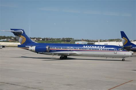 File:Midwest Airlines (3516230985).jpg - Wikimedia Commons