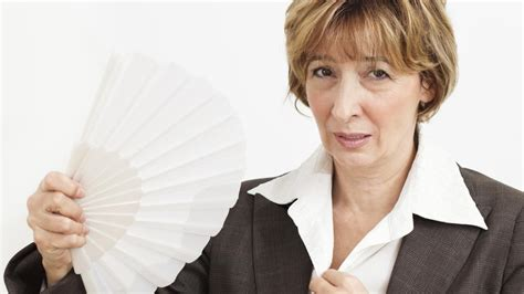 What Is The Average Age A Woman Experiences Menopause