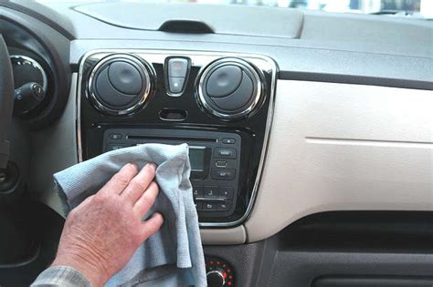 laver siege voiture truc maison pour nettoyer sa voiture
