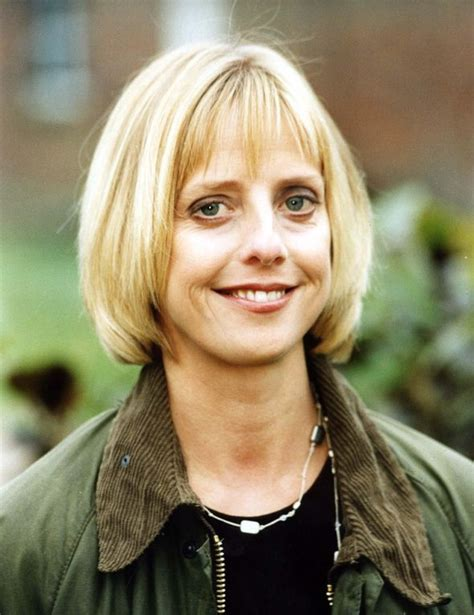 actress died uk emma chambers dead fans react to the news of vicar of