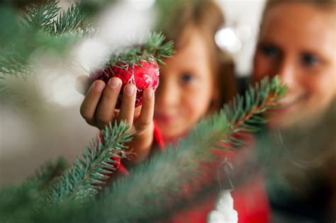 how to host a christmas tree trimming party