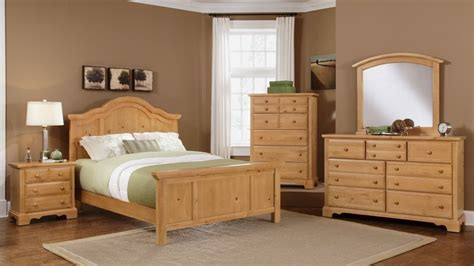 Light Colored Bedroom Furniture by Pine Furniture Bb66 Farmhouse Washed Pine Bedroom Dfw