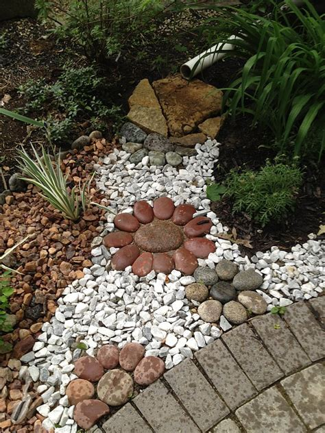 15 awesome garden decor with stones