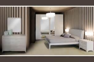 Scegli un arredamento per il bagno fai da te, sii tu l'artefice del comfort in questa importante zona della casa. Camera da letto moderna Madison - Arredo Casa FVG