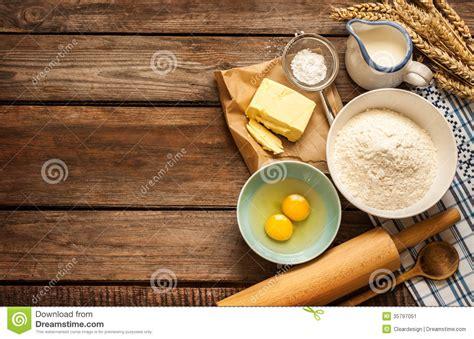 ingredientes de la receta de la pasta en la tabla de