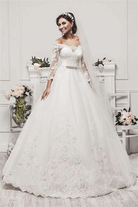 New Elegant Long Sleeve Appliques Lace Ball Gown Princess