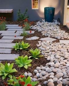 1001 idees et conseils pour amenager une rocaille fleurie With decorer son jardin avec des galets 1 1001 idees et conseils pour amenager une rocaille fleurie