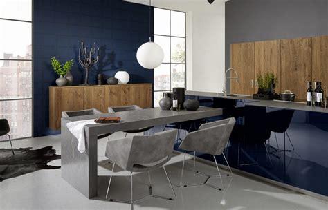 peinture cuisine bleu deco cuisine bleu une cuisine bleue marine et blanc de