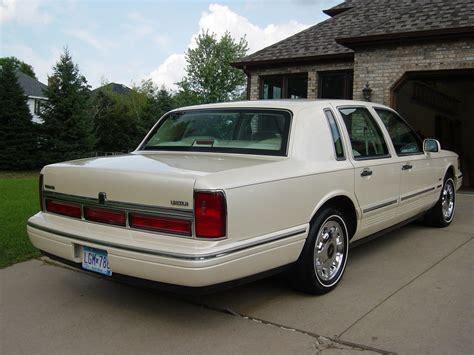 Bigsclassic Lincoln Town Car Specs Photos