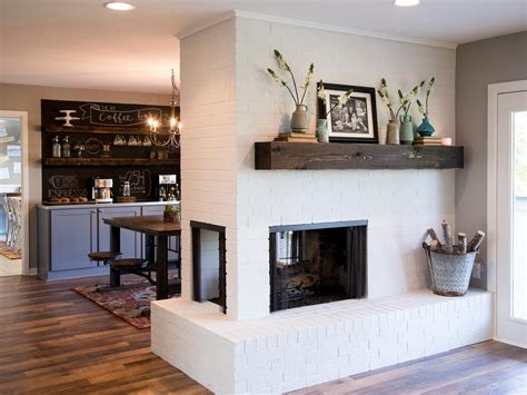 15 Gorgeous Painted Brick Fireplaces Hgtvs Decorating