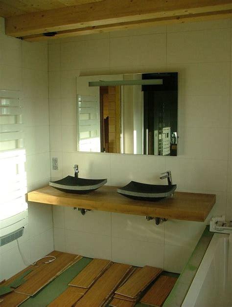 chambre en journ馥 journée salle de bain maison en bois à toit plat karelis