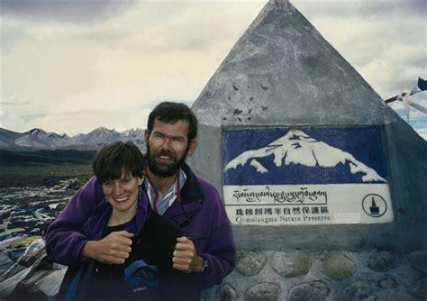 1996 everest disaster umíral na everestu vzpomíná horolezcova žena na poslední