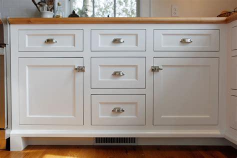 lowes kitchen cabinet handles lowes kitchen cabinet hardware gatehouse rubbed bronze 7224