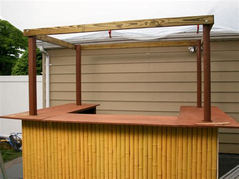 Bamboo Tiki Bar Plans by How To Build A Tiki Bar With A Thatched Roof Hgtv
