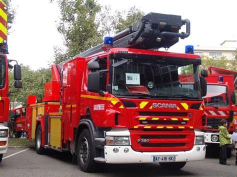 portes ouverte des pompiers de mulhouse epa renault et tgm et bea scania de unimog888